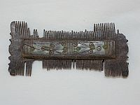 Kétoldalas csont fésű (bontófésű)