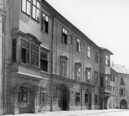 Egy régi soproni ház a Kolostor utcában: a Zichy-Mesko palota