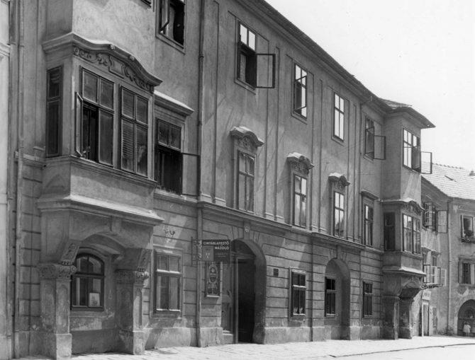 Városházából palota