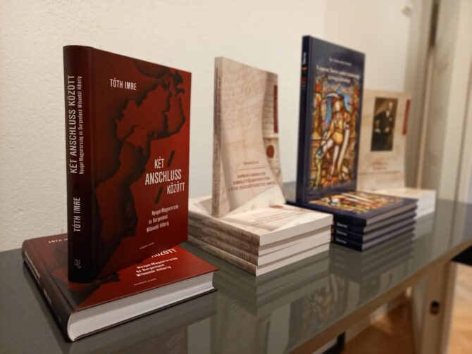 Trianon és egyéb históriák